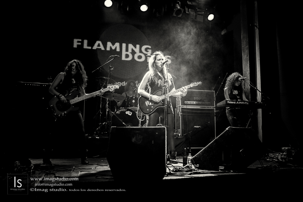 Flaming Dolls en la Sala Arena_43