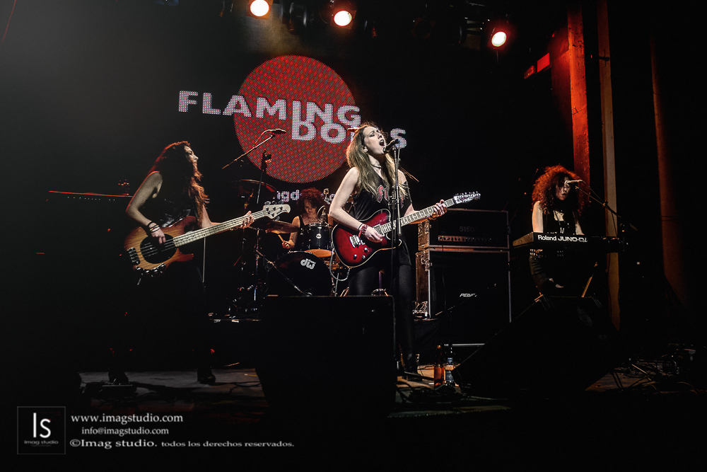 Flaming Dolls en la Sala Arena_44