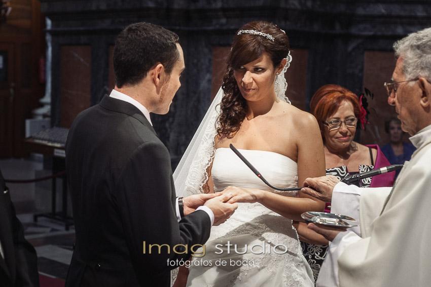 fotografias de boda en la iglesia de San Andres Madrid por Imag Studio