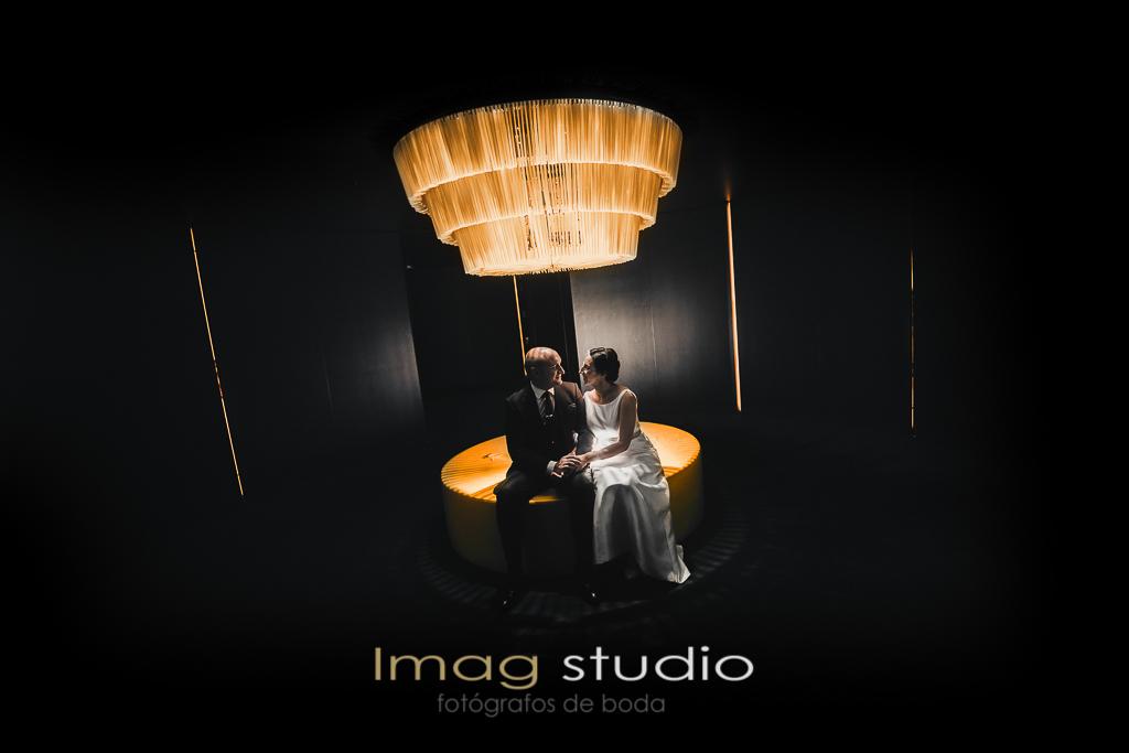 postboda en Jardines del Campo del Moro y Hotel Silken puerta de America realizada por Imag Studio